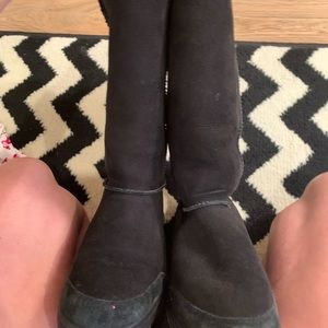 UGG Shoes - Used black Uggs with stitching down back 9